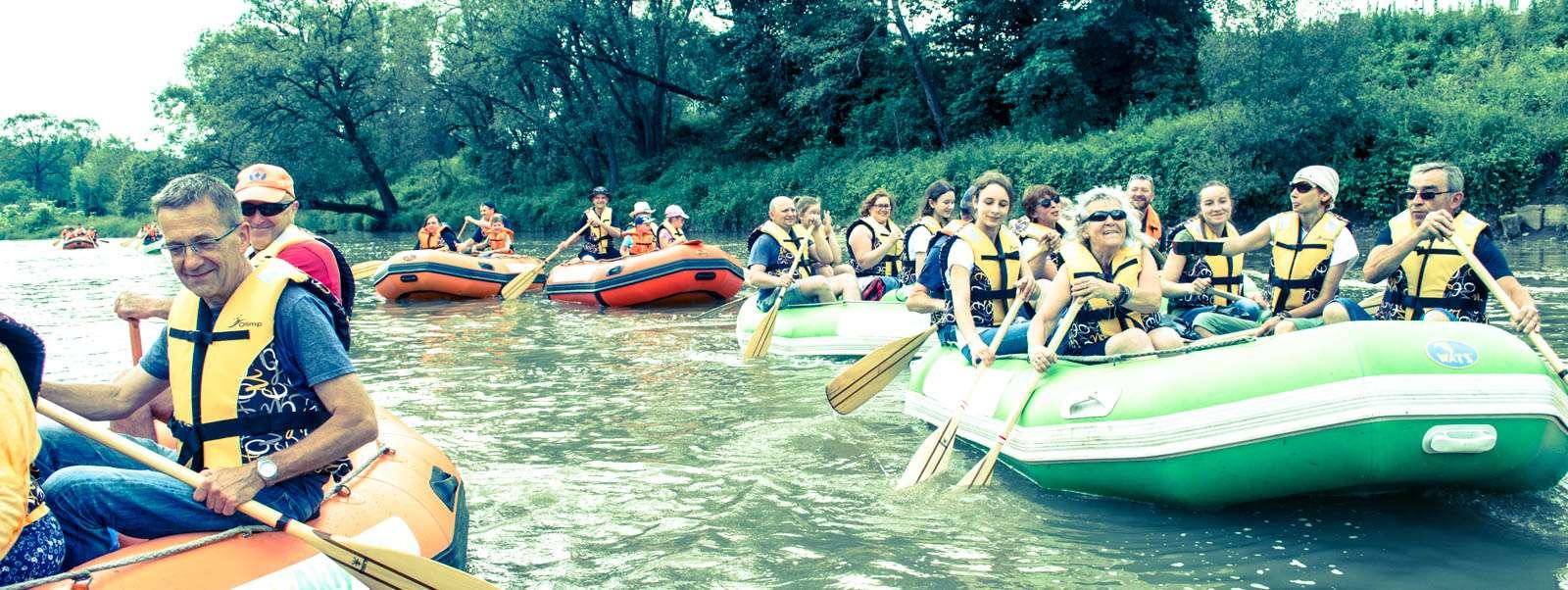 Spływy grupowe w Bieszczadach na pontonach.