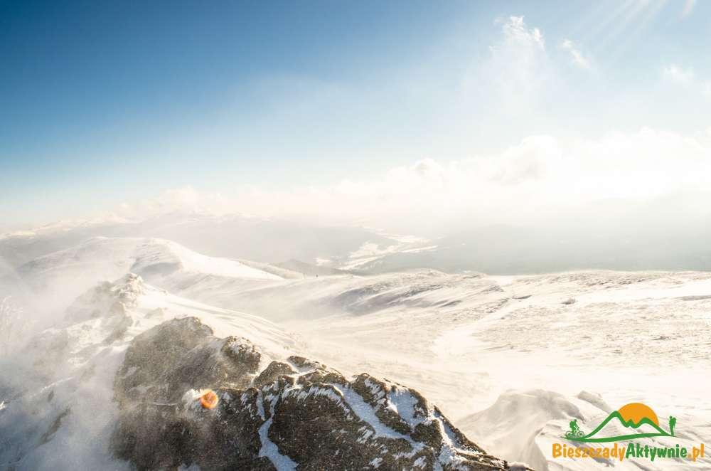 Zamieć śnieżna w Bieszczadach.
